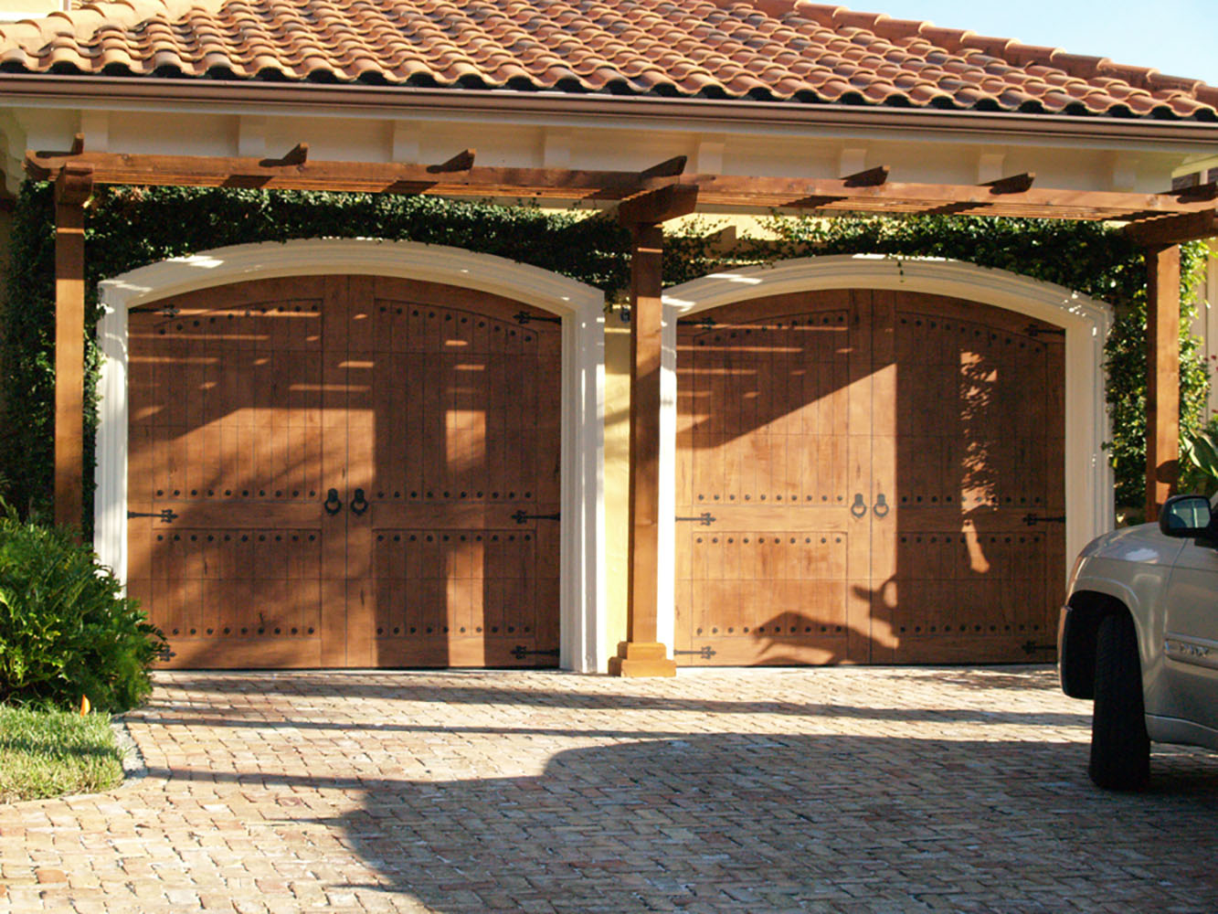1000 #A0712B Garage Doors Windows Doors Columns And More picture/photo Overhead Doors Tampa 35791333